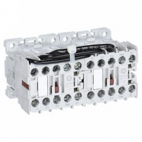 GE Miniature IEC Contactor: 3 Poles, Single/Three Phase, 9 A Current Rating, 277V AC Control Volt, Reversing