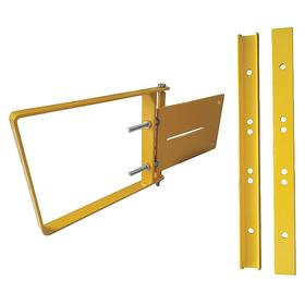 Self Closing Safety Gate: 28 in Min Opening Size